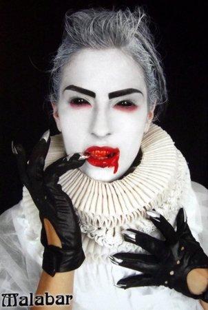 Elizabethan era vampire